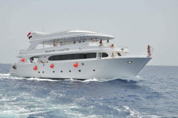 Tiran Island by Boat, V.I.P Snorkeling